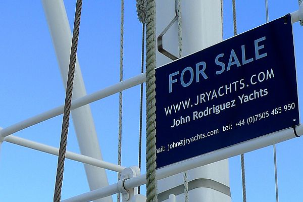 Sell my Yacht For Sale Sign
